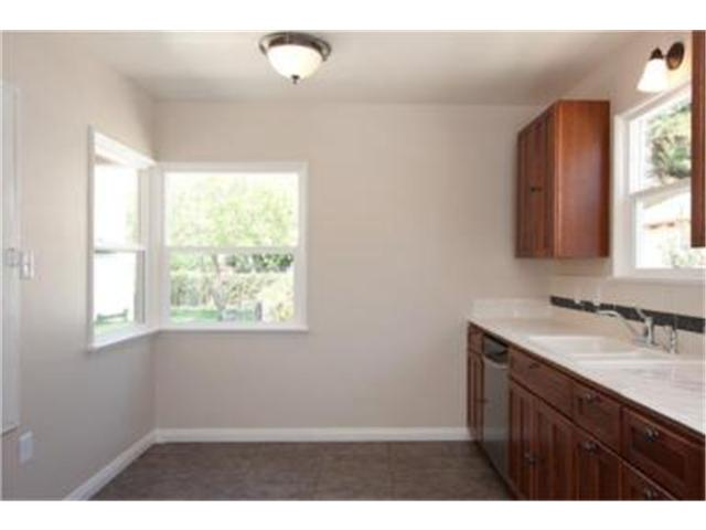 3575 Rosewood updated kitchen with new appliances