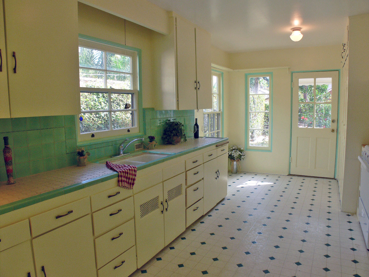 Darling Kitchen With Original Honeycomb Tile Countertops (historic  Enthusiasts Rejoice!), New Gas