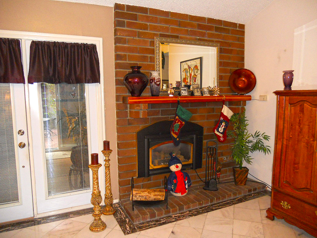 """""""The stockings were hung by the chimney with care..."""""""
