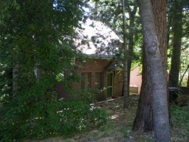 "495 Tetley, Crestline -- SOLD by ""The Sister Team"" in November 2011"