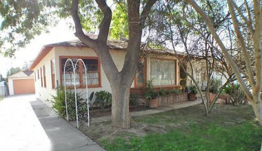 "4716 Oakwood Pl., Riverside SOLD by ""The Sister Team"" 4/17/2012"