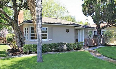 "5491 Magnolia Ave., Riverside 92506 SOLD by ""The Sister Team"" on 6/01/2012"