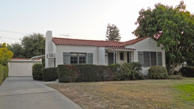 "3558 Castle Reagh Pl., Rvsd CA 92506 listed by ""The Sister Team"""