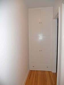 Hallway linen closet (certainly not a shortage of storage in this house).