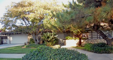 "4907 Cliffside Dr., Riverside CA 92506 - Wood Streets listing by ""The Sister Team"""