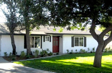 "4674 Norton Pl,. Riverside CA 92506 sold by ""The Sister Team"" 11/0/2012."