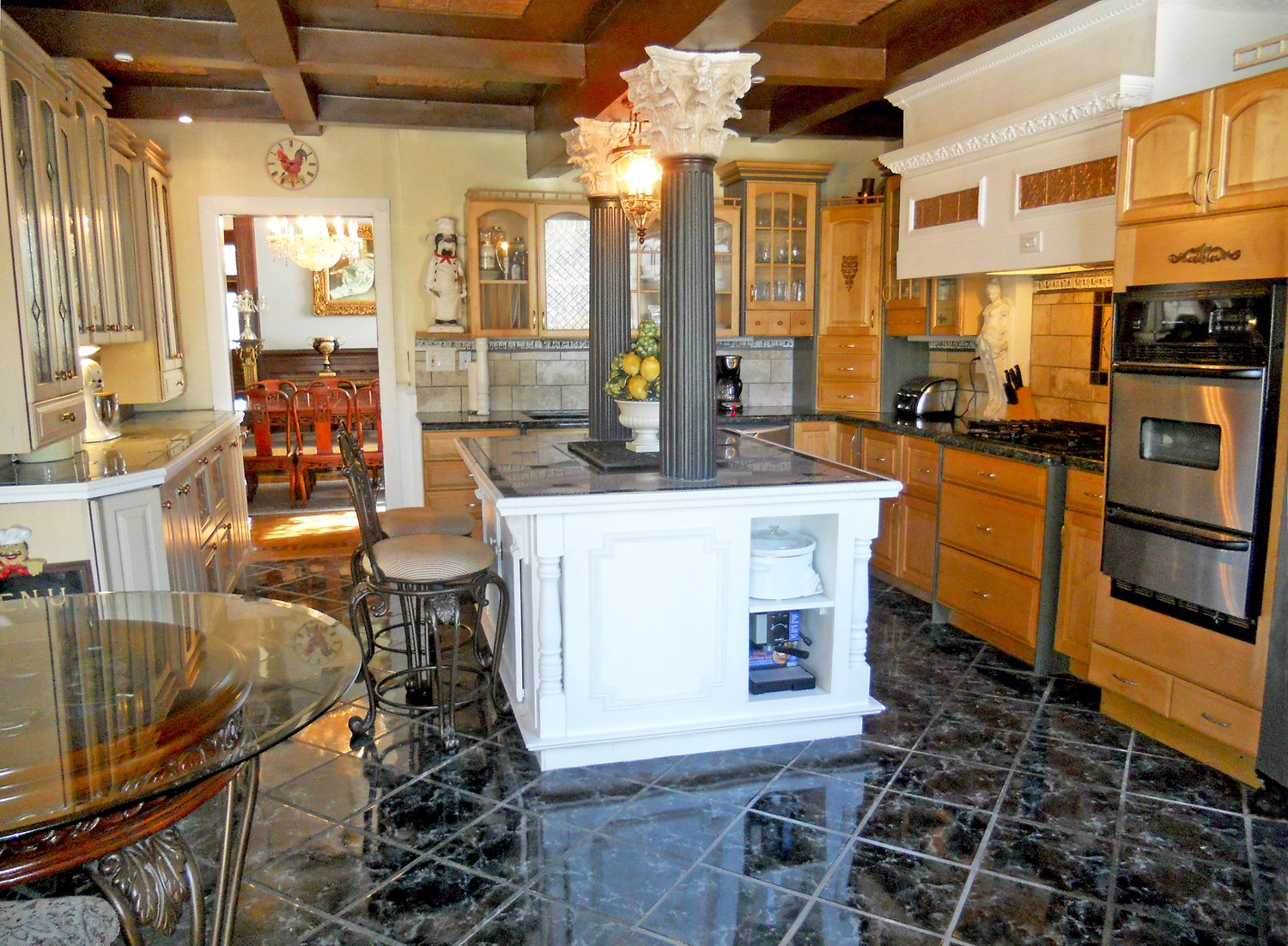 Kitchen island gas range - Remodeled Kitchen With Double Drawer Fisher Paykel Dishwasher Gas Range Top Preparation