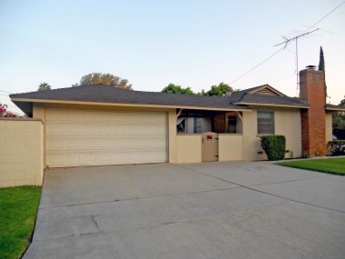 2-car detached garage with lots of parking and a privacy block wall surrounding entire back yard!
