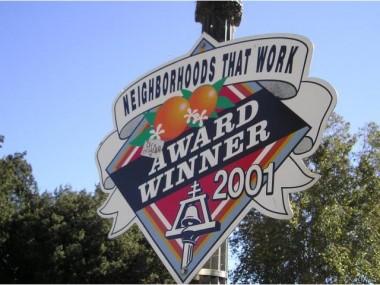 Award-winning neighborhood -- and walking distance to the Riverside Plaza!