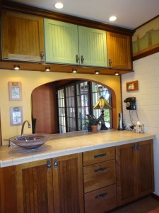 Convenient pass-thru from kitchen to formal dining room.