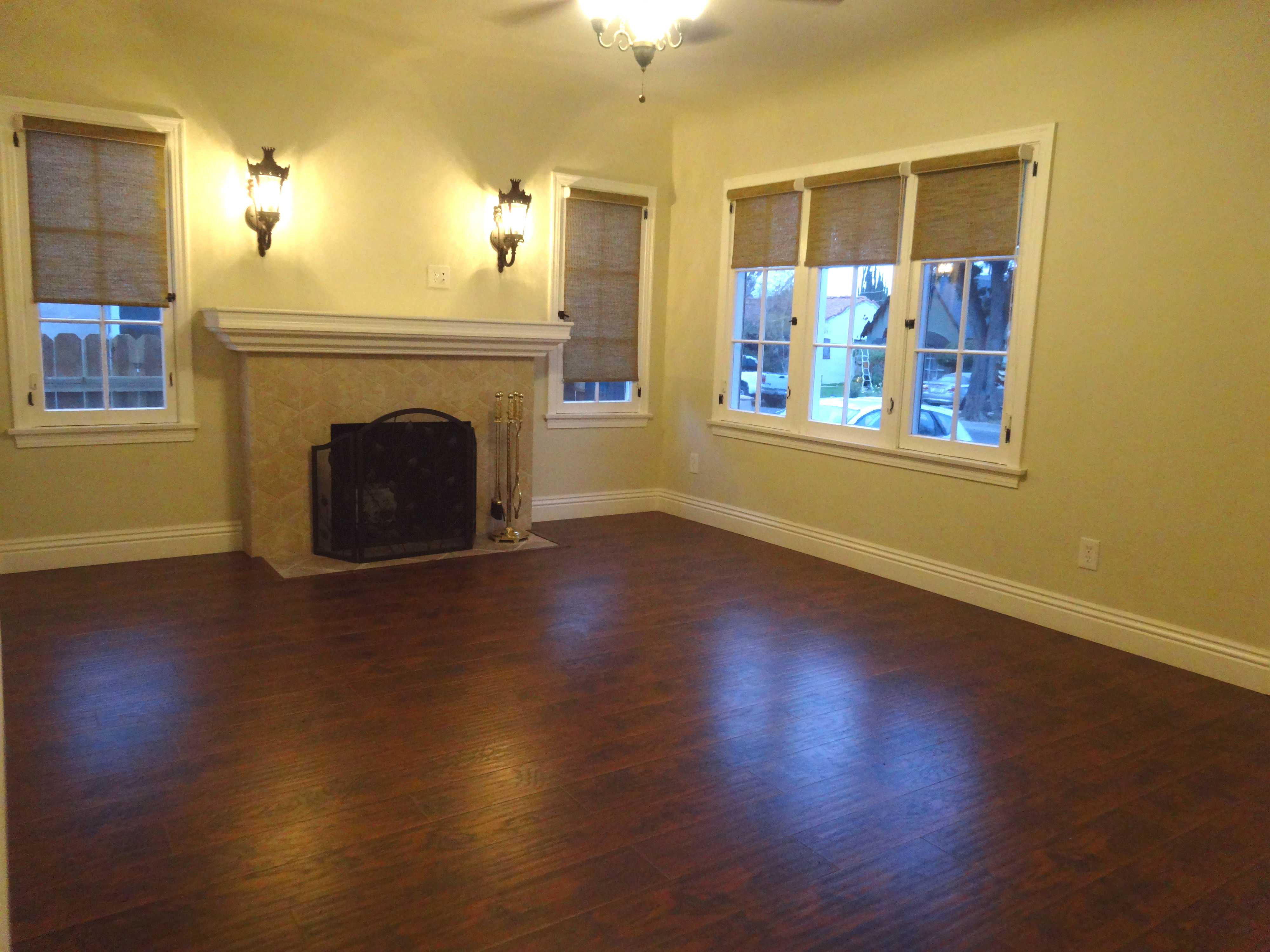 Nice Living room with fireplace and new mantle