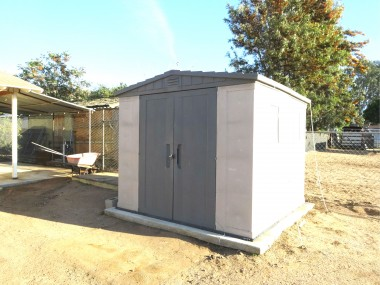Shed will remain with property.