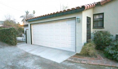 2-car ATTACHED garage -- a great yet uncommon feature in the Wood Streets!