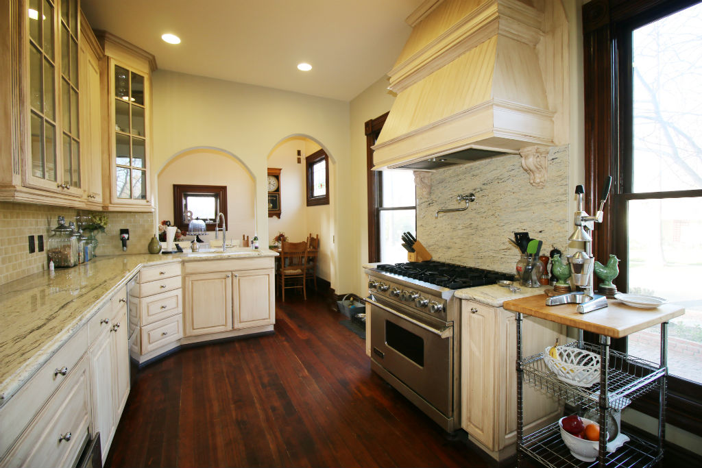 Remodeled kitchen with granite counters, 6-burner Viking stove with pot filler, warming drawer, built-in microwave, built-in coffee maker, dishwasher, and built-in wine rack. Plus there's a separate walk-in pantry.