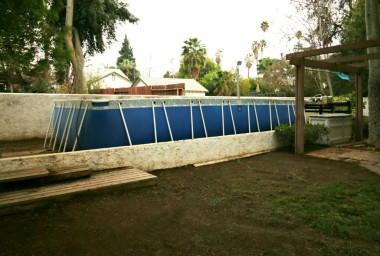 Above-ground pool stays if buyer wants.