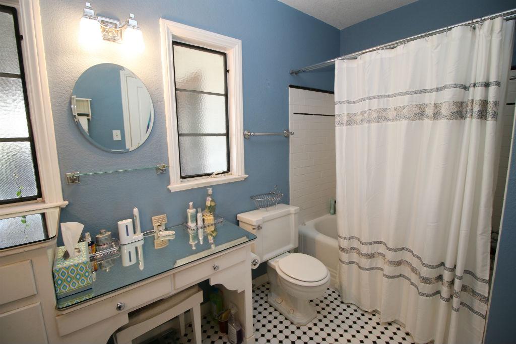 Ideal Alternate view of hallway bathroom
