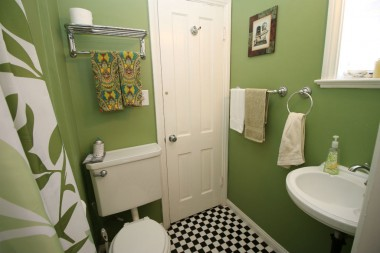 Master bathroom, with shower, as cute as can be!