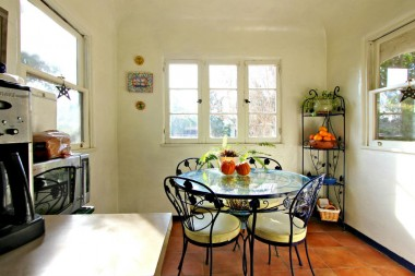 Light and bright breakfast nook.