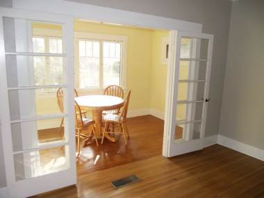 Light and bright sun room for dining, or could just be a sitting room for reading books or yoga. Namaste.