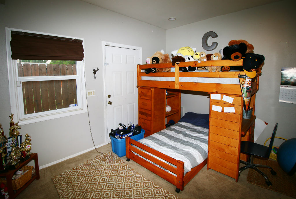 Bonus room (no closet) could be used as 3rd bedroom, office, or extra storage.