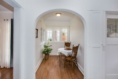 Cheerful breakfast nook