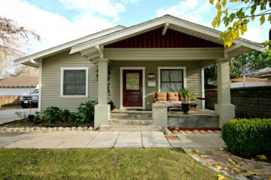 5166 Brockton Ave., Riverside, CA 92506 listed by THE SISTER TEAM