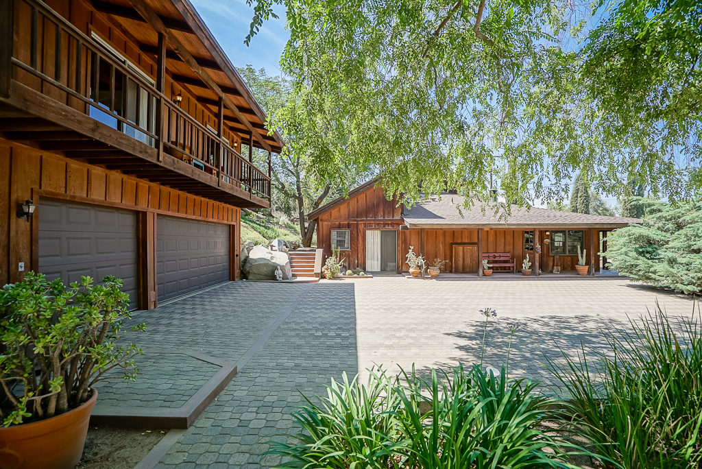 17047 Mockingbird Canyon Rd., Riverside CA 92504 listed by THE SISTER TEAM