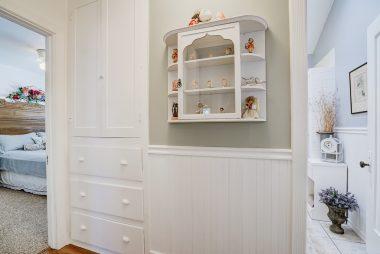 Hallway linen closet.