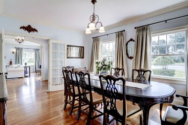 Spacious formal dining room idea for family gatherings throughout the year.