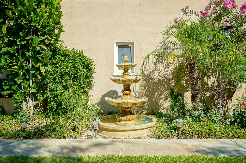Fountain stays.