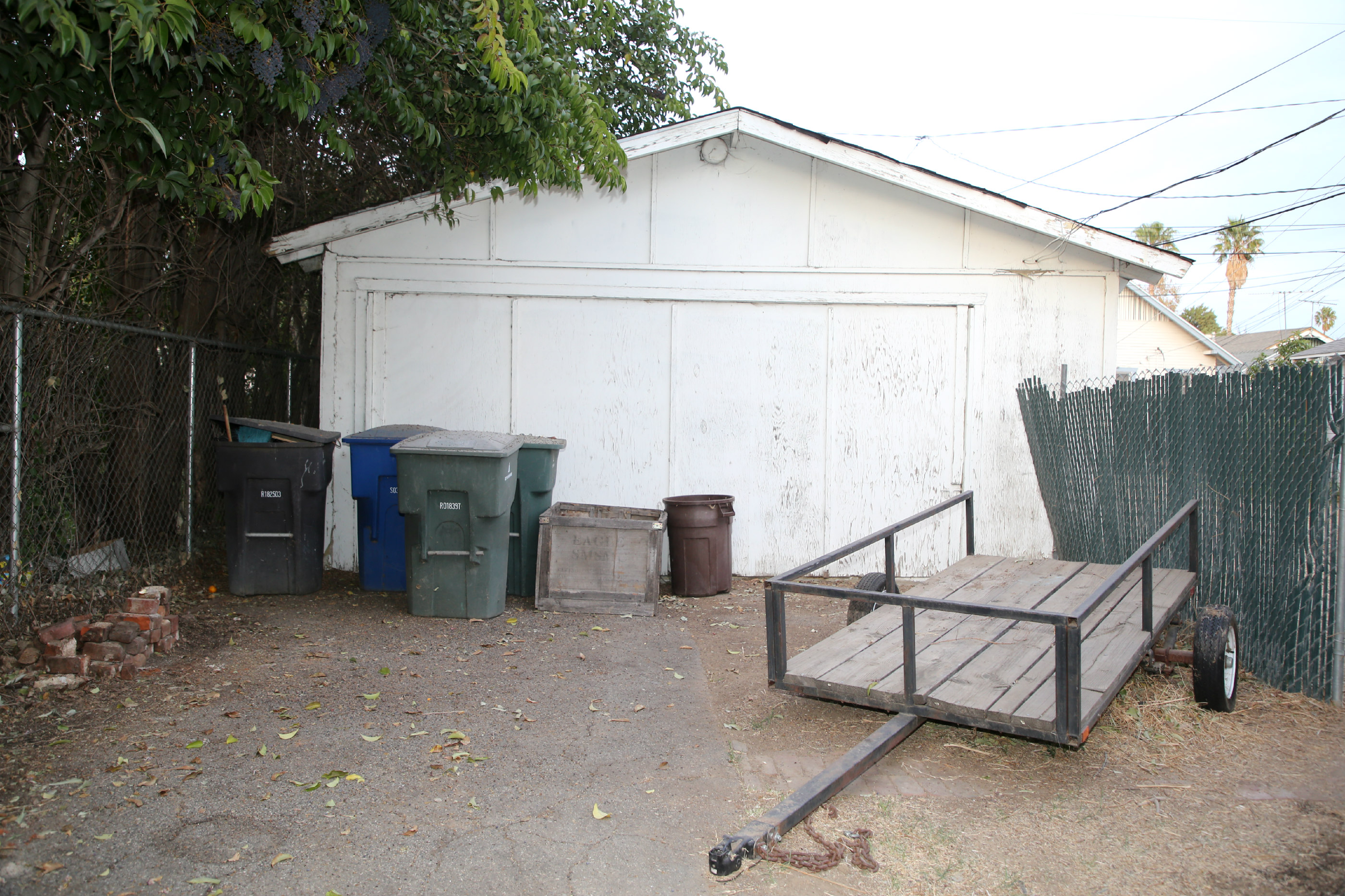 2-car detached garage