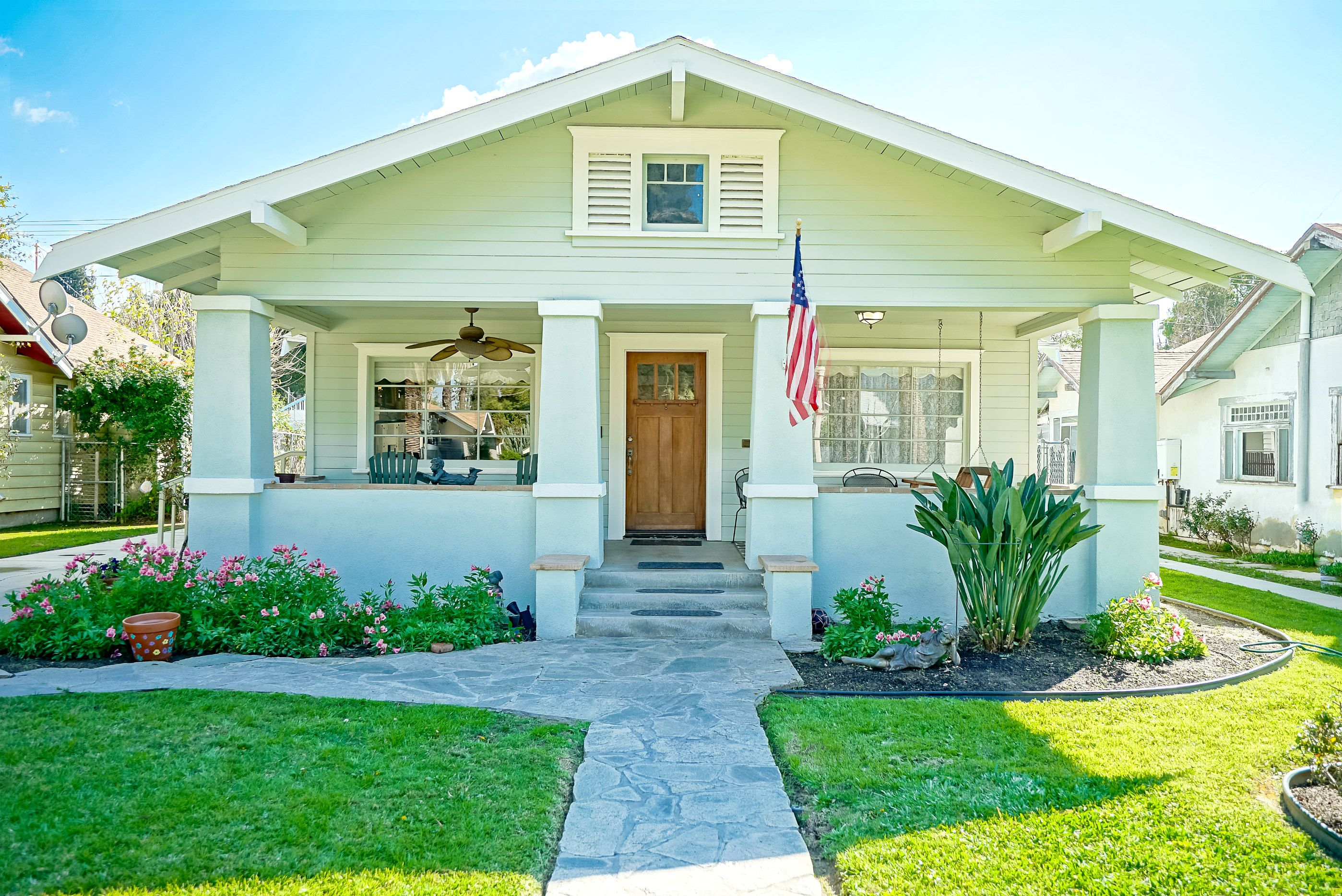 3932 Elmwood Ct., Riverside 92506 listed by THE SISTER TEAM
