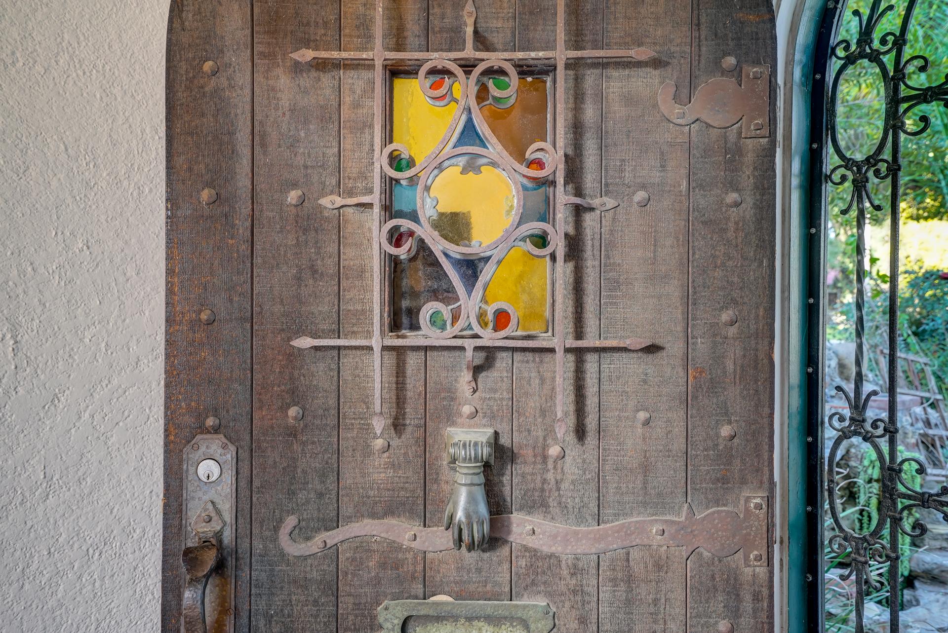 Magnified view of front door