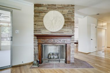 Gas and wood-burning fireplace.