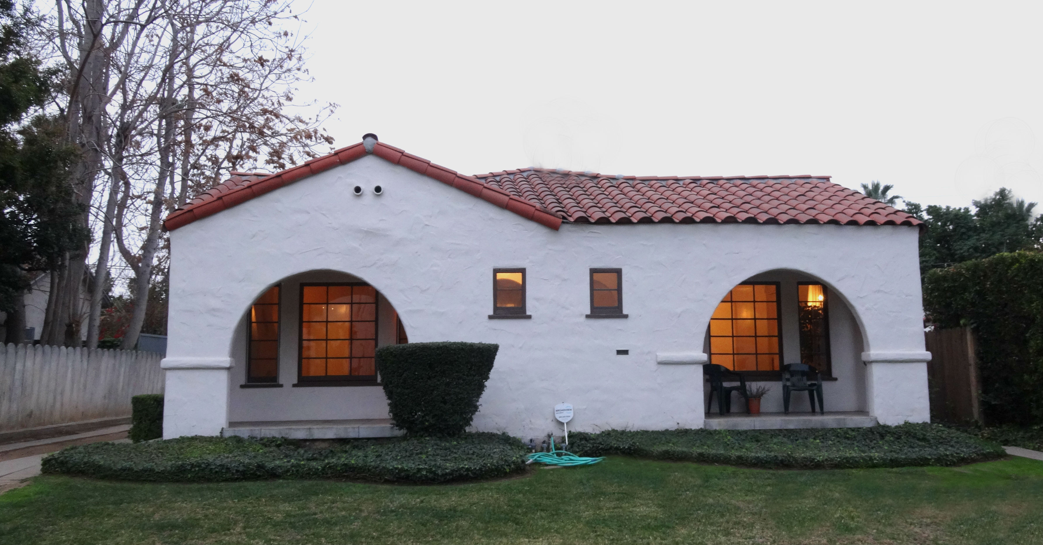 """3482/3484 Elmwood Drive (DUPLEX) listed by """"The Sister Team"""""""