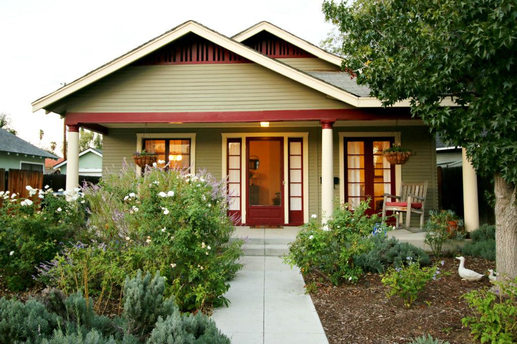 3857 Elmwood Ct, Riverside, CA 92506