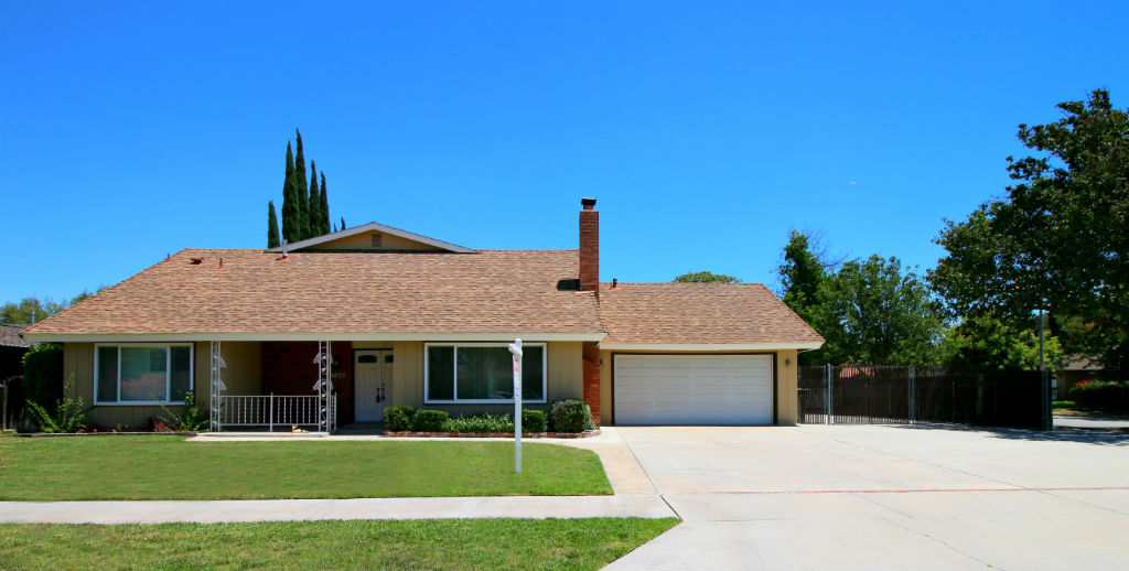 4825 Ainsworth Pl., Riverside CA 92504 listed by THE SISTER TEAM