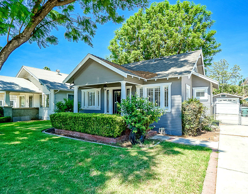 4275 Larchwood Pl., Riverside CA 92506 listed by THE SISTER TEAM