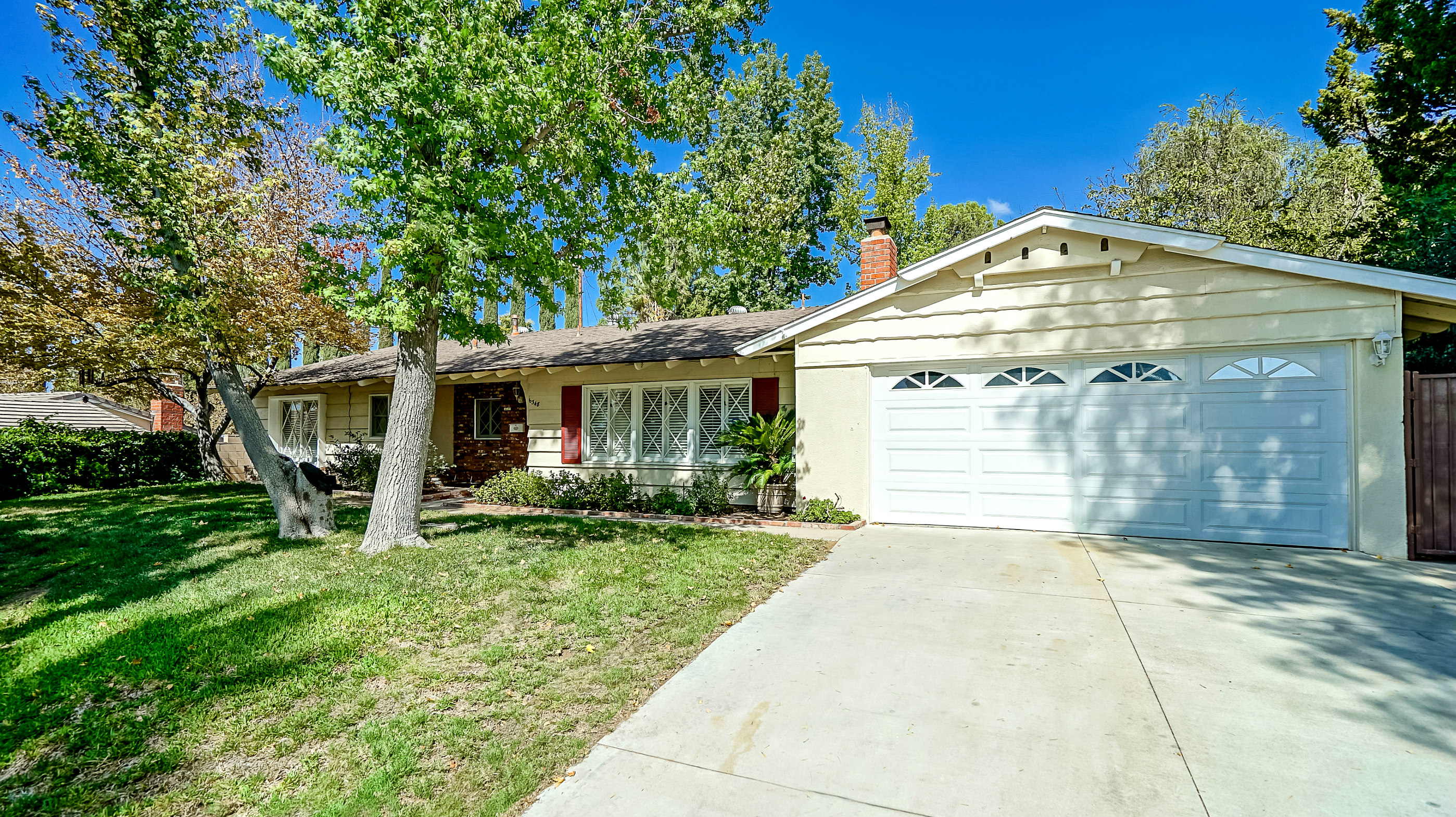 6348 Glen Aire Ave., Riverside 92506 listed by THE SISTER TEAM