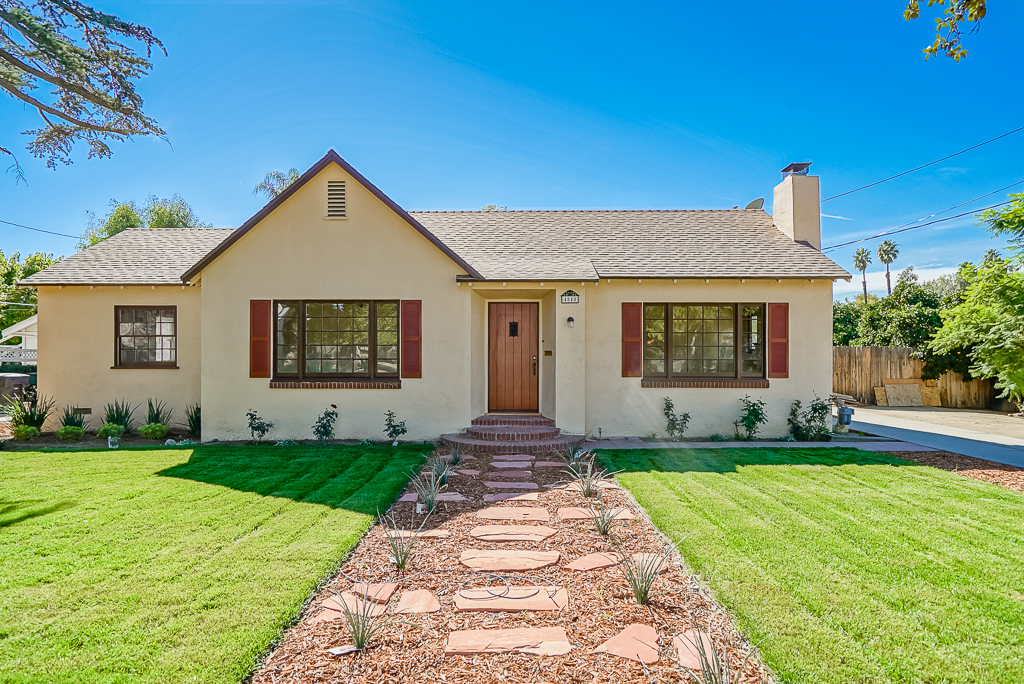 4840 Charlotte Way, Riverside, CA 92504 listed by THE SISTER TEAM