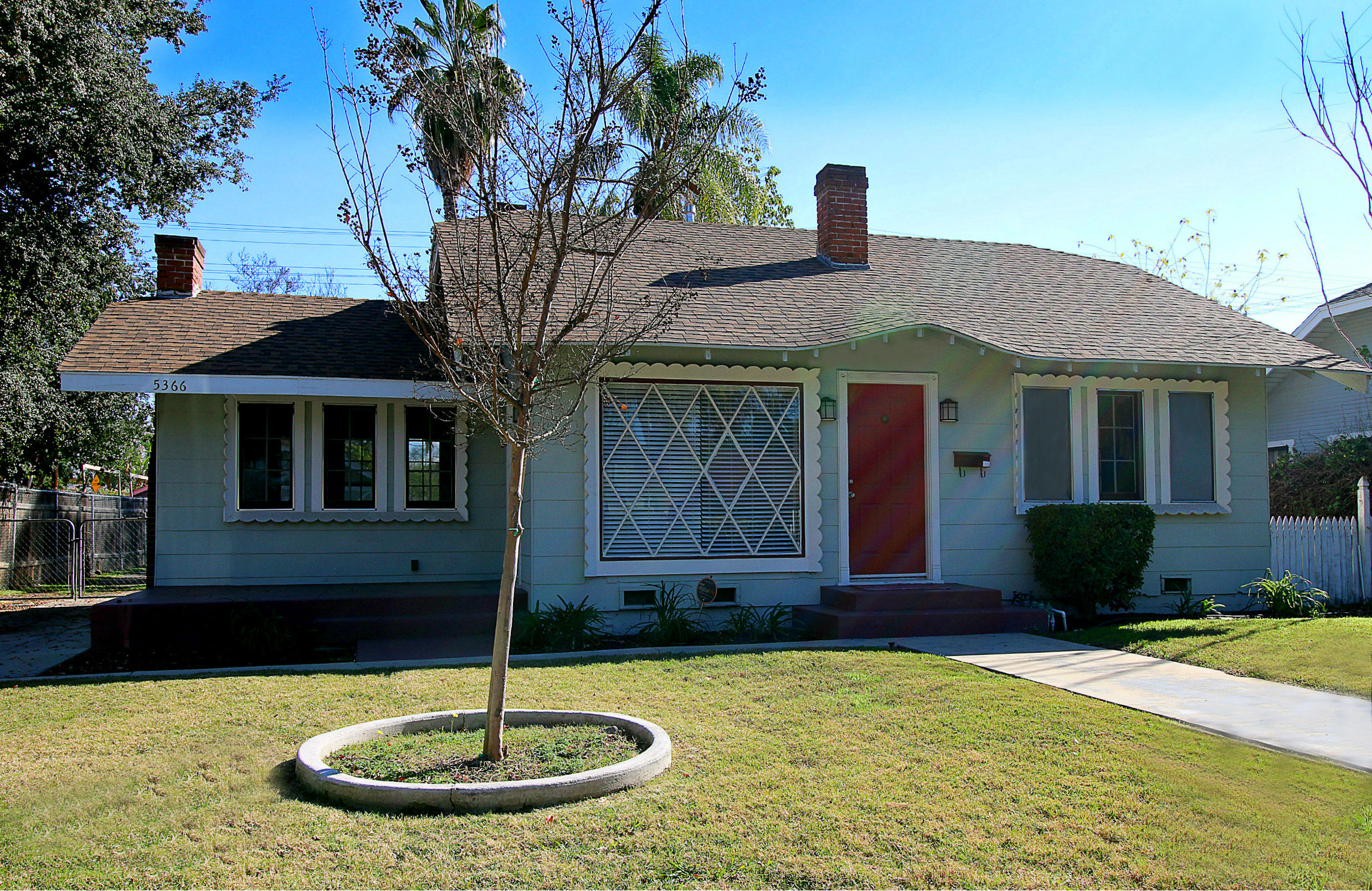 5366 Magnolia Avenue, Riverside, CA 92506 listed by THE SISTER TEAM