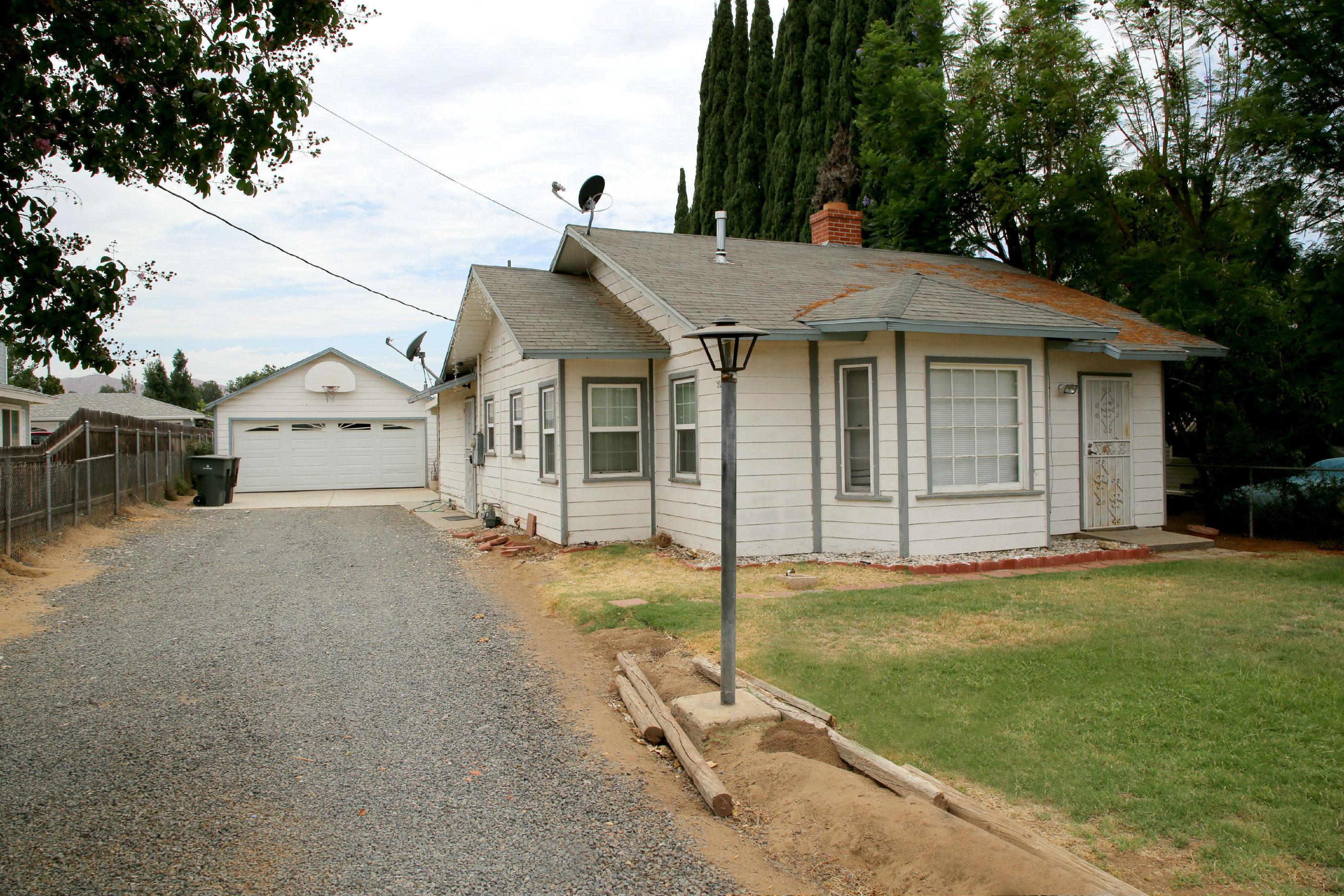 2544 Harrison St., Riverside