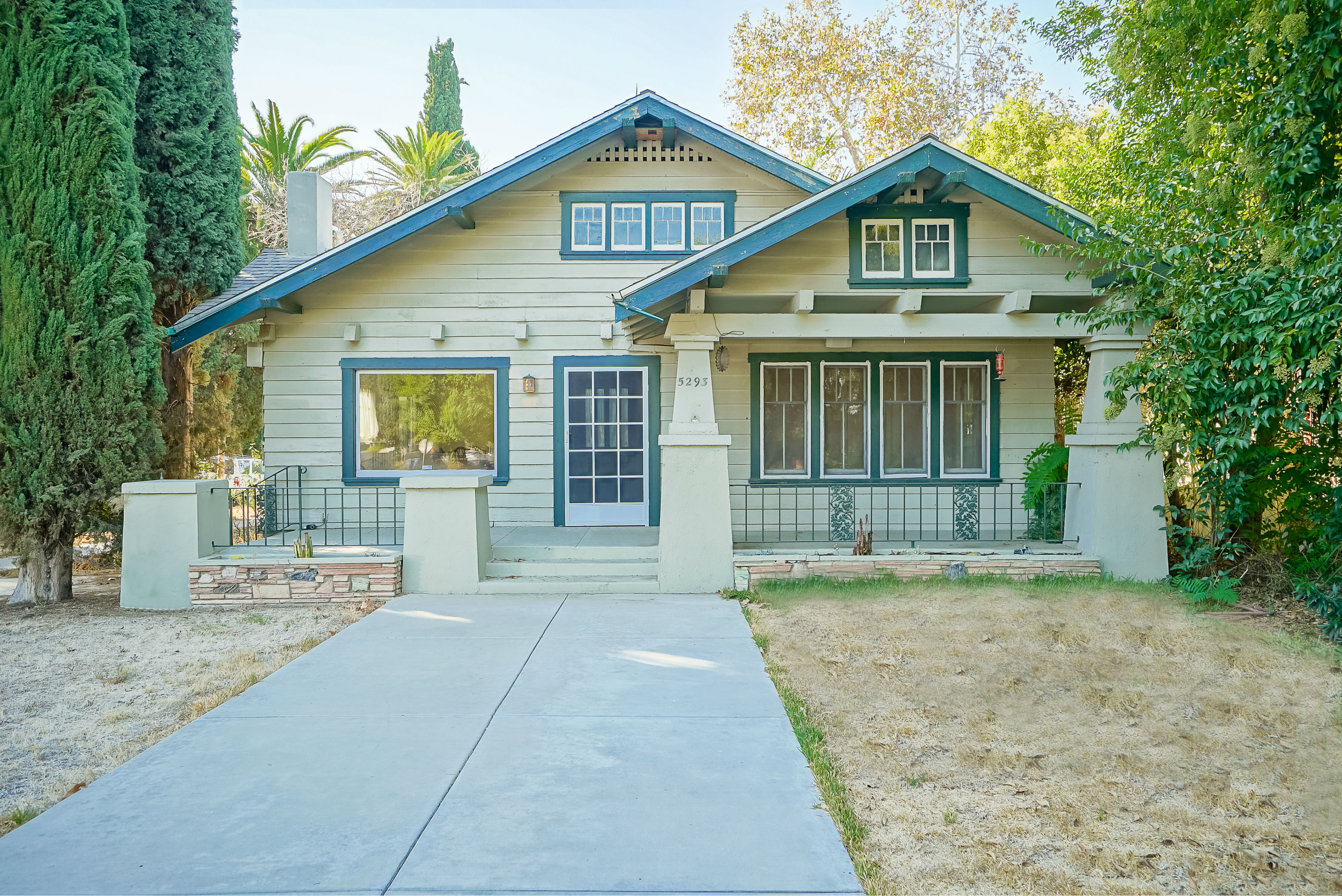 5293 Magnolia Avenue, Riverside, CA 92506 listed by THE SISTER TEAM