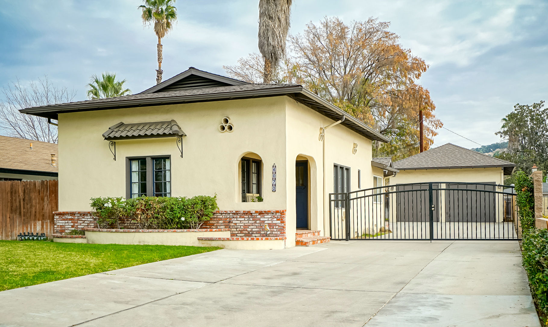 6070 Riverside Avenue, Riverside CA 92506 listed by THE SISTER TEAM