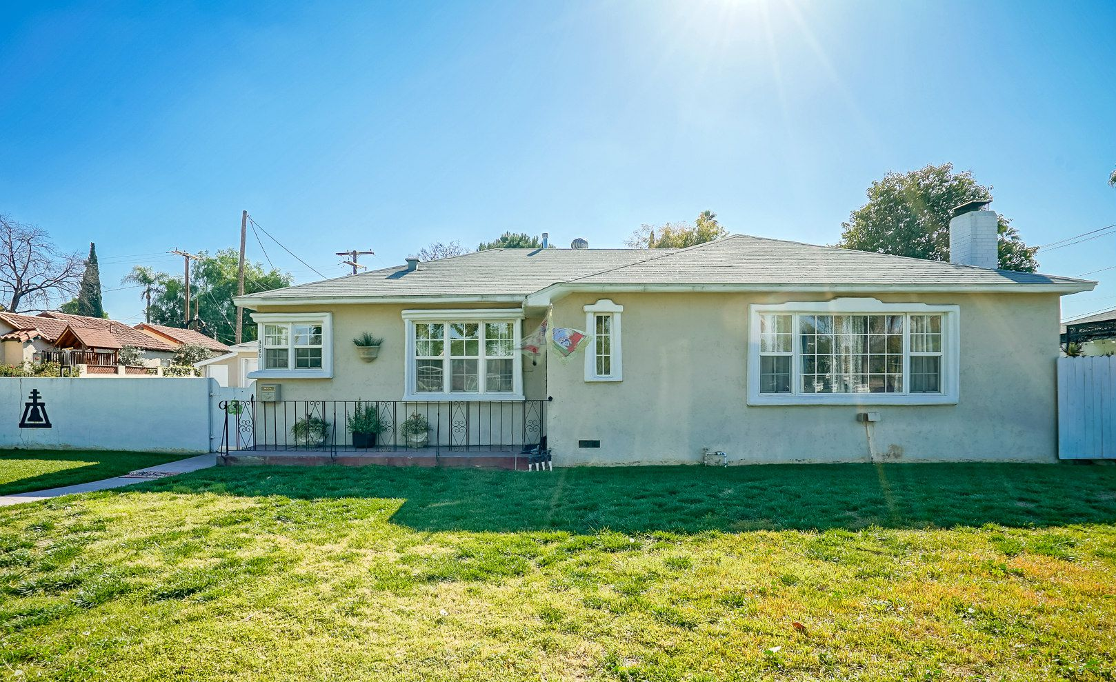 4060 Ramona Dr, Riverside CA 92506 listed by THE SISTER TEAM