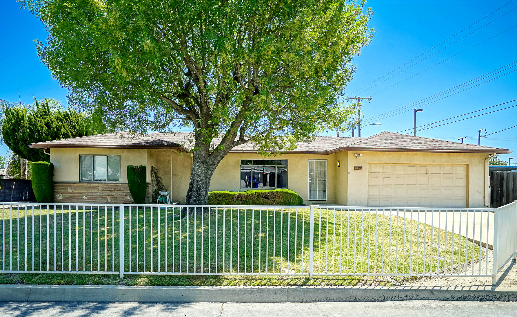 8963 Roberds St., Alta Loma, CA 91701 listed by THE SISTER TEAM